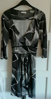 HOS87) Ladies dress black and white size 16 Petite Wallis funky pattern w tie up