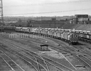 Healey Mills Yard Class 08,40,25,15,45 15.6.83 John Vaughan Negative RN109