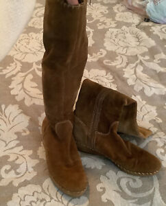 Enzo Angiolini Light Brown Suede Eaaxlerid High Moccasin Style boots Size 7.5
