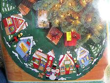 "BUCILLA Felt Applique TREE SKIRT Kit,CHRISTMAS VILLAGE,Town Stores,43"",83980"