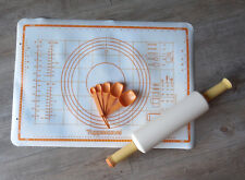 Tupperware - Feuille et rouleau à pâtisserie + cuillers mesures