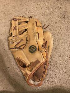 Wilson A2000L Vintage Baseball Glove