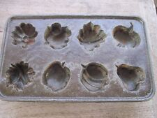 Cast Iron made in Taiwan Corn Bread or Muffin Pan, Trace of Rust on one end