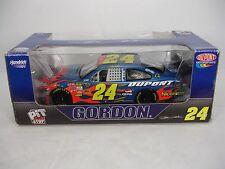 NEW DUPONT NASCAR JEFF GORDON # 24 PIT STOP 1:24 SCALE STOCK CAR 2008