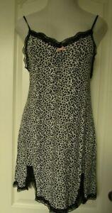 Kensie Black animal print Sleeveless chemise  Size Large