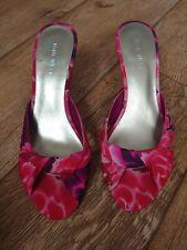 Nine West Floral Peep Toe Kitten Heel Sandals Size 4