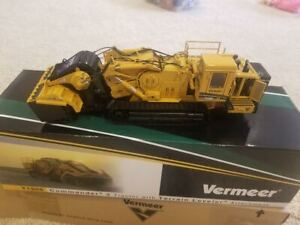 Vermeer T1255 Commander 3 Tractor with terrain Leveler  by TWH 1:50 Scale NEW