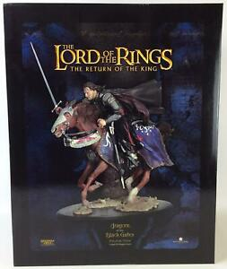 Sideshow Collectibles LotR Collectible Figure Aragorn at the Black Gates VG+