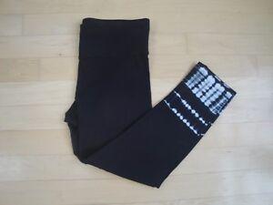 Calvin Klein Performance Women's Stretch Black Capri/Leggings Size: XS $49