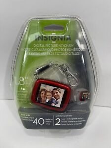 """INSIGNIA DIGITAL PICTURE KEYCHAIN 1.8"""" DISPLAY 40 PICS 2 HR RECHARGEABLE NEW"""