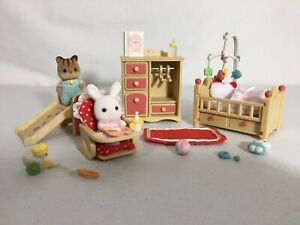 Calico critters/sylvanian families Nursery Crib Dresser chair Toys Mobile Babies