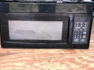 GE JVM3160DFBB 1.6 cu. ft. Over-the-Range Microwave Oven, Black