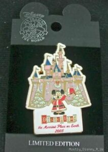 New Disneyland Christmas Merriest Place Mickey Pin Limited Edition 2005 Collect