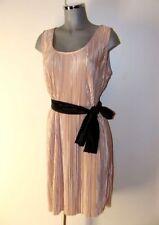 Plissee Kleid glänzend helles Gold Puder Farbe Gr XL in edlem Glanz II11