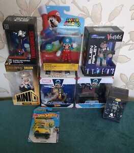 Action Figure Bundle, Hot Wheels, Super Mario, Aliens, Marvel, Batman, Lord of t