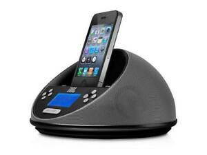JBL On Time Micro AM/FM Radio and Speaker Dock for iPod/iPhone