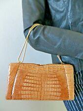 Superbe pochette ,vintage crocodile ,marron clair ,chaine dorée.Sac cuir