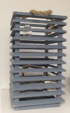 Windlicht Laterne aus Holz mit Kordel in grau