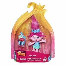 "HASBRO DREAMWORKS TROLLS POPPY COLLECTIBLE 4"" FIGURE & ACCESSORIES"