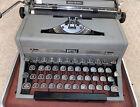 Vintage Royal Quiet Deluxe Typewriter In Hard Case Works Great