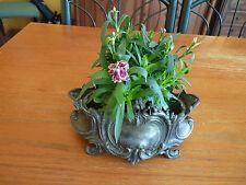 Ancienne petite jardinière de table en étain