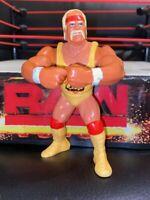 WWE HULK HOGAN HASBRO WRESTLING FIGURE WWF SERIES 2 1991 BEARHUG