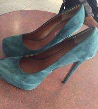 Heels/Pumps Turquoise Boutique 9 Size 6M
