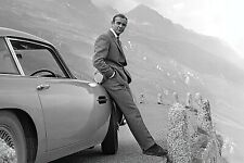James Bond, 007 - Movie Poster (Sean Connery & Aston Martin Db5)