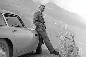 James Bond & 007 - Movie Poster (Sean Connery & Aston Martin Db5)