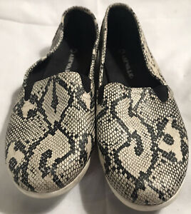 Airwalk Skate Shoes Size 8.5 Snakeskin 147986 Gently Used