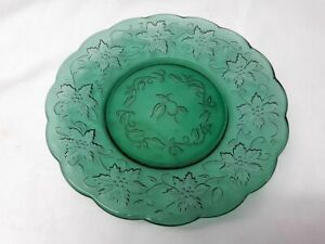 Vintage. Princess House Fantasia Emerald Green Lunch Plate