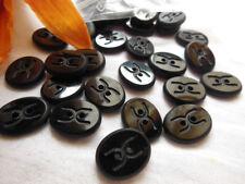 lot 8 boutons anciens  verre noir ovale vintage siglé CC 1,5 cm sur 1,3 cm R 362