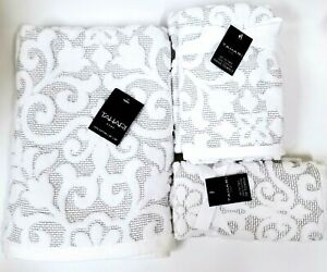 TAHARI WHITE,LIGHT GREY,GRAY SWIRL PATTERN COTTON BATH,2 HAND TOWEL,2 FINGERTIP