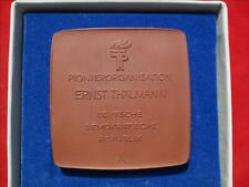 DDR Ehren Medaille JP Pionier Organisation Ernst Thälmann Meißen Porzellan RARE
