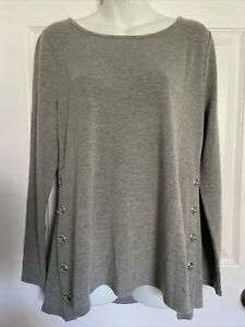 Belle by Belldini Long Sleeve top has brass accents down Size M