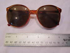 VINTAGE WOMENS SUNGLASSES - 1970'S BROWN LARGE ROUND STYLE