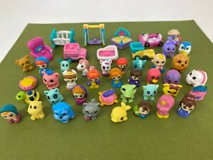 Blip Toys - Squinkies - Large Lot of Figures and Accessories