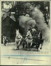 1976 Press Photo Fire Department Horse Drawn Engine racing down street