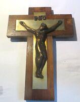 Grande croix en bois avec Jésus Christ en métal cuivré