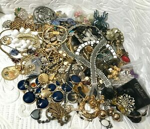 Lot K3 Vintage & Costume Jewelry Lot Including Signed and Unsigned 4.4 Lbs