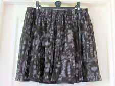 NEW UNI QLO WOMEN'S REVERSIBLE 2WAY GREY PATTERNED POLYESTER SKIRT WAIST 30-32 ""