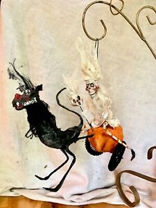 HANDMADE CREEPY HALLOWEEN GHOST SKELLY ON PUNKIN WITH BLACK BAT CARRIAGE RIDE