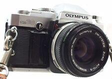 OLYMPUS OM30 appareil photo avec Olympus 50 mm f/1.8 OM mount Lens-T05