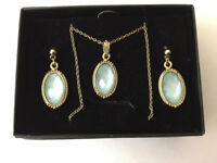New Gold Tone Costume Jewelry Necklace And Earring Set
