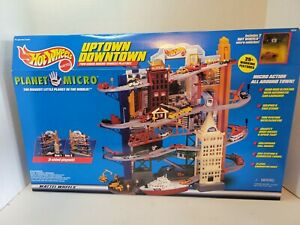 NEW NIB 1997 Hot Wheels Planet Micro Uptown Downtown 2-Sided Vehicle Playset