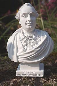 RE0083  FIGURINE STATUETTE REPRODUCTION  BUSTE  DE LOUIS XVI  STYLE ALBATRE
