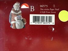 Lladro / A Gift from Santa (6575) / New Cond / Retired