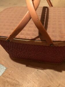 VINTAGE 1960s PICNIC BASKET  Redmon Very Good Used Condition
