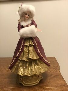 Enesco 1996 Happy Holidays Ceramic Barbie Musical Figurine - excellent condition