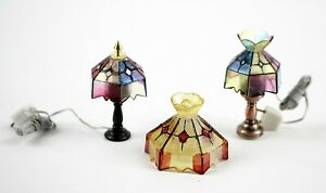Pair of Concord Table Lamps with Plugs Dollhouse Miniatures extra Shade